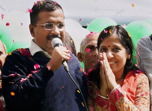 Arvind Kejriwal with wife