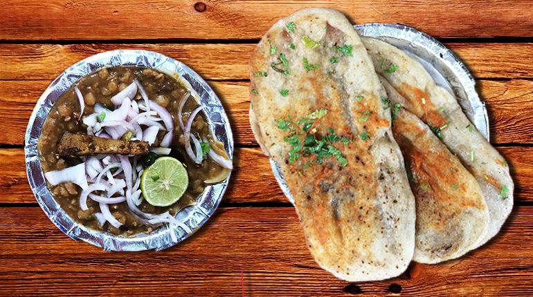 Kulche - a must eat food in Delhi