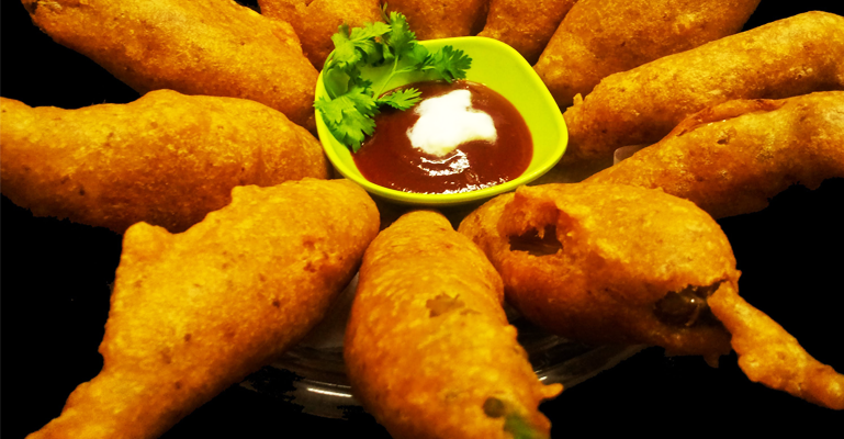 mirchi-vada-must-eat-rajasthan