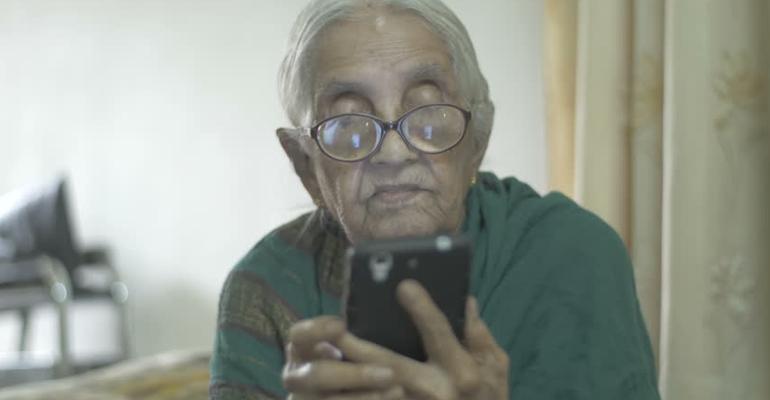 older people smartphone