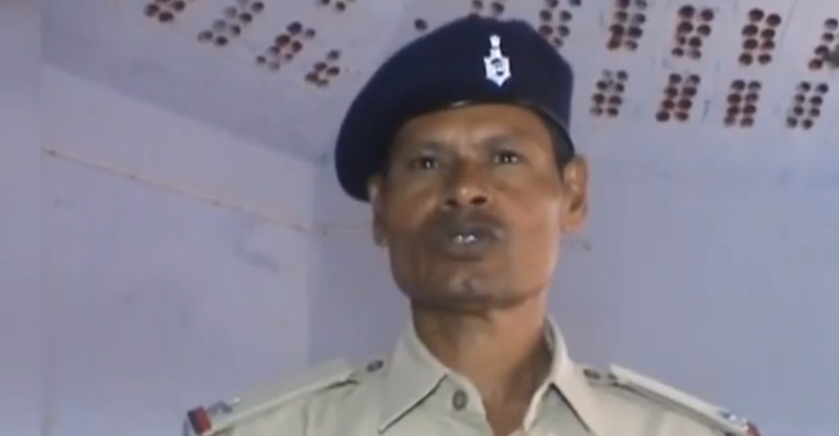 #GoodNews - Cop In Jharkhand Teaches Children After Duty To Bring A Positive Shift In Society