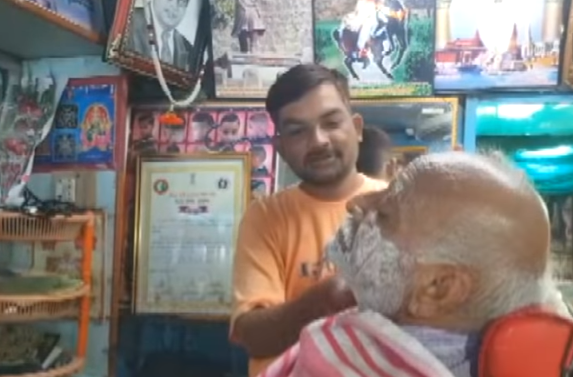 This Barber's Gratitude For The Indian Soldiers Is Winning Hearts Across The Nation