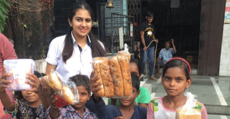 With One Double Roti At A Time, This 16-YO Girl From Gurgaon Proves You Too Can Make A Difference