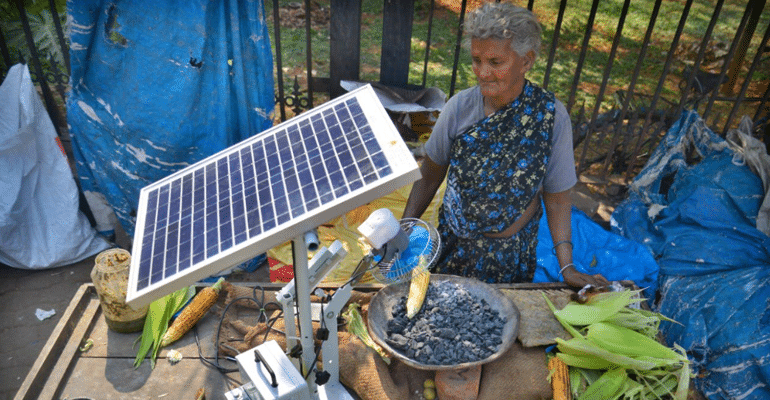 A-Maizing! This 75-YO Roadside Vendor Roasts Corn Using Solar Panels