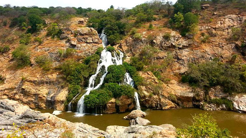 7 Mesmerizing Waterfalls Near Bangalore Worth Visiting